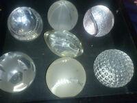 objets décoratifs de differents sports en  cristal