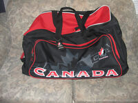 Sac hockey CANADA TEAM sur roulettes COMME NEUF