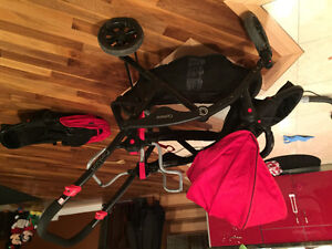 Double stroller with car seat converter and two seats !