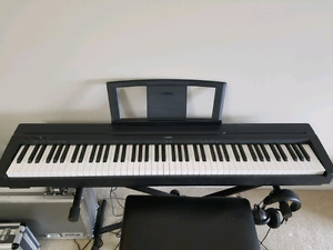 Yamaha P-35 with bench books and pedal