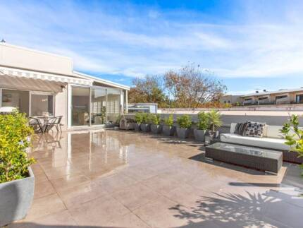 Narrabeen modern Sunny 2 BR apartment