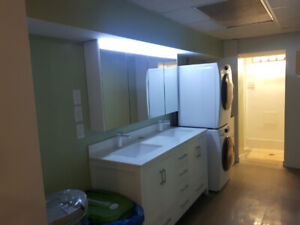** 6 Rooms 2 bathrooms apartment. Perfect 4 students. YouTube.
