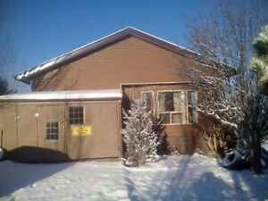 NICE HOME WITH LAND IN CARIBOO