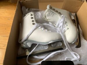Cameo Figure Skates, Youth Size 11