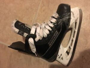 Bauer Supremem 180 Junior Hockey skate size 2D; great condition