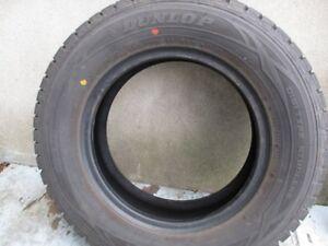 Pneu Hivert Dunlop 185/70 R14/ 88T - $340