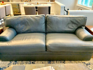 Drexal Heritage Couch, Loveseat & Ottoman
