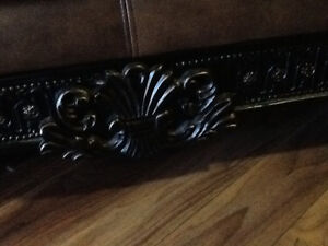 Just reduced by $500.00 Stunning 3 piece leather couch set. Peterborough Peterborough Area image 5
