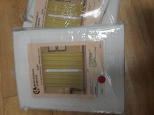 2 panneaux de rideaux