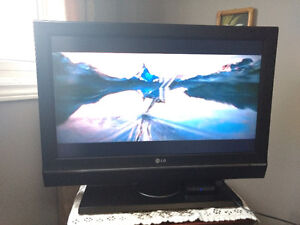 32 inch LG Flat screen for sale