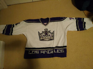 ***Authentic Los Angeles Kings Goalie Jersey***