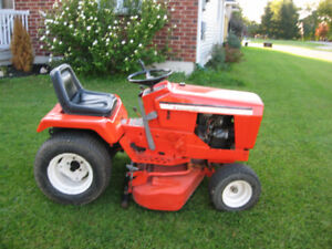 Allis Chalmers 912 Lawn tractor