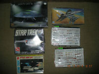 Collector Vintage Plastic Scale Models...,