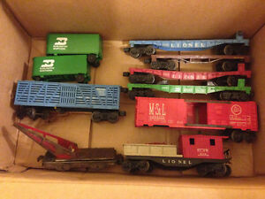 Lot Vintage Lionel Freight Cars & Truck Trailers Model Train