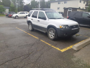 Selling for parts or project car - 2005 Ford Escape XLT 4x4