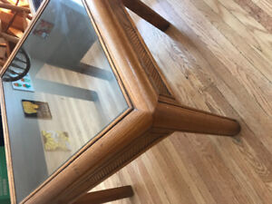 Coffee table + two side tables for 60$