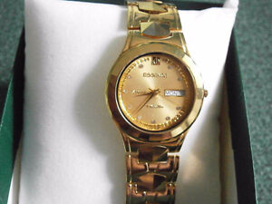 EXCELLENT SWISS WATCH CERAMIC WITH DAYS/DATE