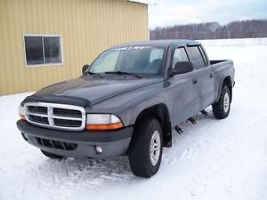 2004 Dodge Dakota full  .équipe VUS