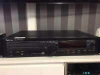 Tascam CD-RW700 studio recorder