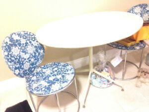 KITCHEN TABLE TWO SEATER