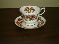 Royal Albert rust yellow Roses cup and saucer mint cond (1E)