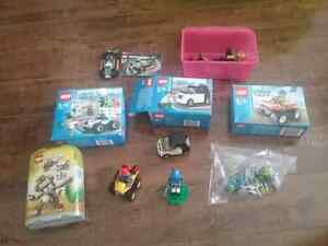 Lego mini sets x8 in great condition 11 figures