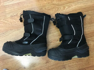 Barely used Baffin size 4 boots- $50