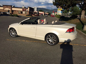 2017 Volvo C70 Convertible MINT!