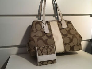Coach Purse for SALE $65 IN GREAT CONDITION