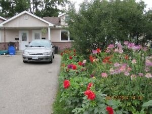 Nice two bedrooms bungalow townhouse in Kitchener downtown