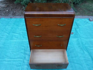 beautiful vintage Victoriaville QC, Waterfall solid wood tall bo