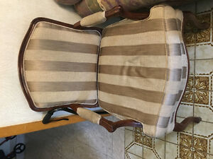 Some furniture, couch, matress, table chairs for free Cambridge Kitchener Area image 6