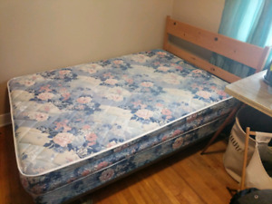 Perfect double bed , like new !