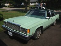 1979 Ford LTD sedan 351Windsor/5.8L 2bl V8 3 speed automatic