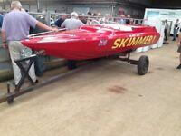 Speed boat