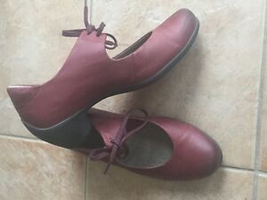 Ecco shoes size 6 Wine color