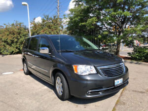 CHRYSLER TOWN & COUNTRY FOR SALE $ 14400