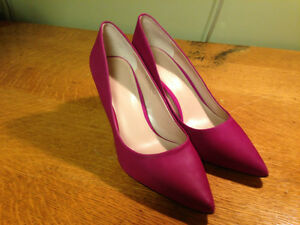 Women's Shoes - Size 7.0 Regina Regina Area image 1