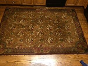 """Area rug warm brown tones 90"""" x 60"""" soft to touch"""