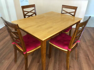 Easy maintenance  4 chair Wooden Dining Table