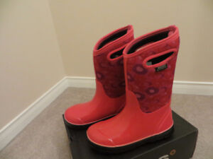 Bogs Girl (Pink) Snow Winter Boots Size 4 or 5