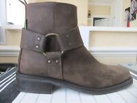 MENS RUSSELL & BROMLEY SUEDE BOOTS