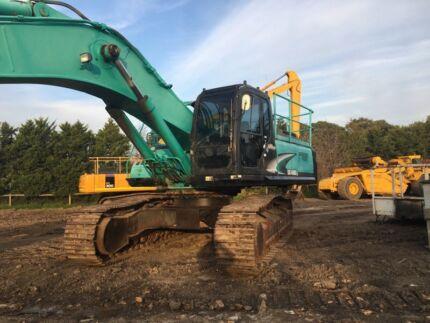 Kobelco SK450-6 excavator