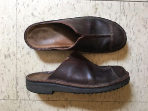 Naot Womens Brown Nubuck Leather Clogs Size 9.5 Good Condition