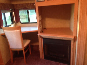 FOREST RIVER FIFTH WHEEL FOR SALE