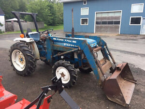 Ford 1710 26hp Tractor with Loader