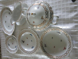 Collectable dishes