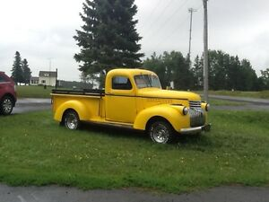 1946 CLASSIC CHEVY SHORT BOX COMPLETLY RESTORED