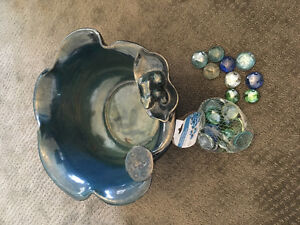 Outdoor/Indoor glass plant holder and decorative rocks