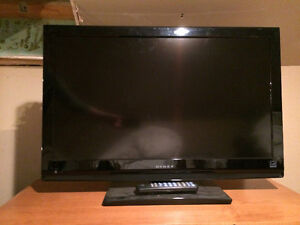32 INCH LCD TV FOR SALE